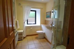 Coach-house-bathroom1