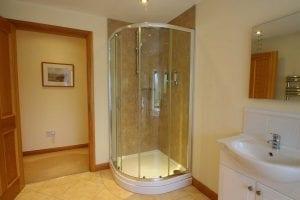 Coach-house-bathroom3